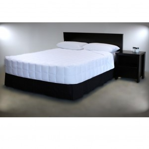 White Boxed PolyCotton Quilt - King