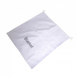 18760_Guest-Non-woven-White-Blanket-Bag-10